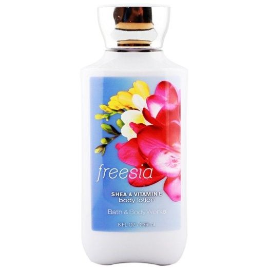 Dưỡng thể Body Lotion Bath & Body Works Freesia 236ml