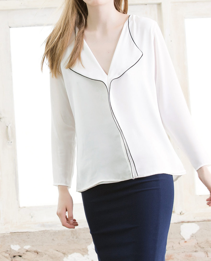 TRIM BLOUSE (WHITE)