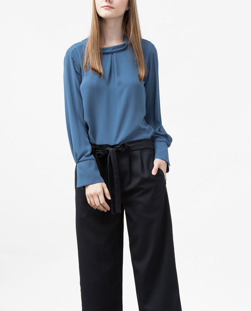 BACK BOW BLOUSE (BLUE)