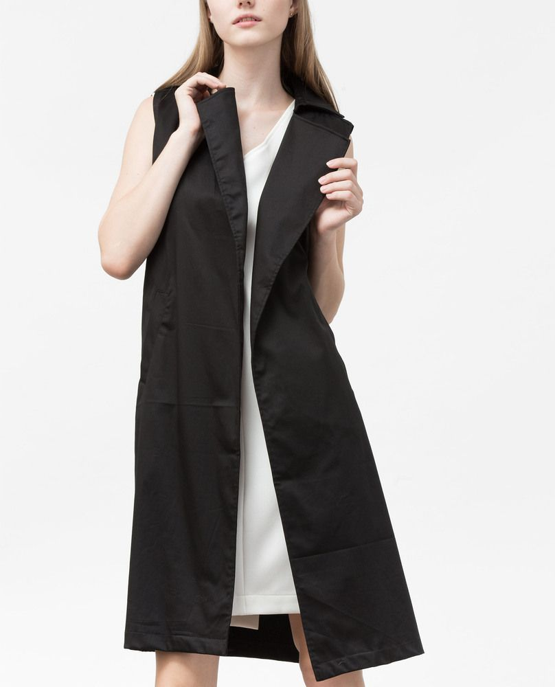 SLEEVELESS JACKET (BLACK)
