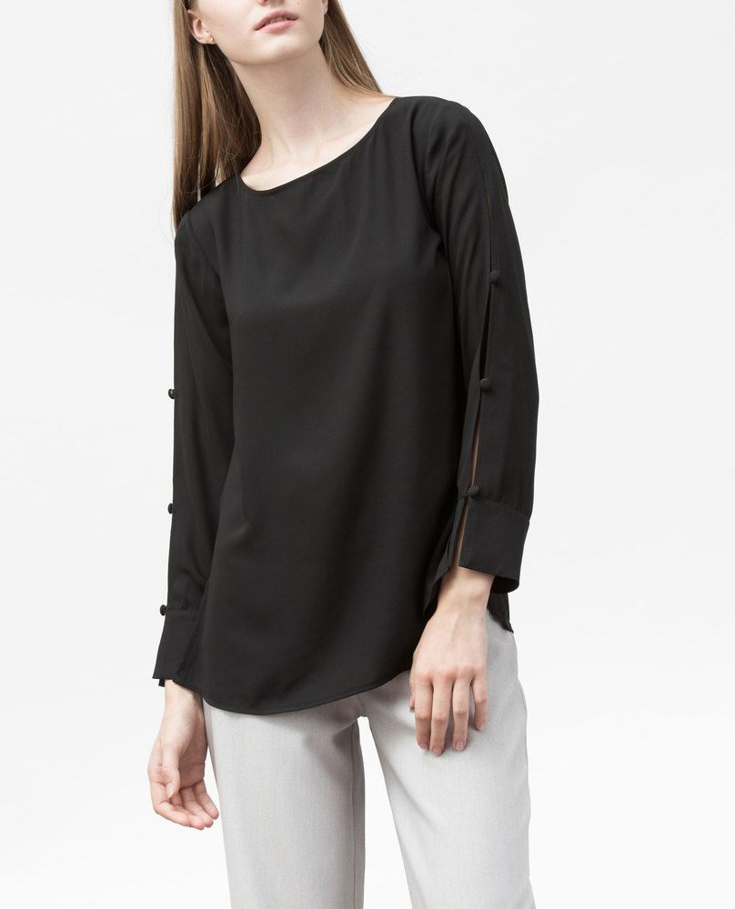 BUTTON BLOUSE (BLACK)