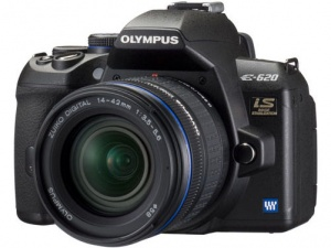 Olympus E-620 (ZUIKO Digital ED 14-42mm F3.5-5.6) Lens Kit