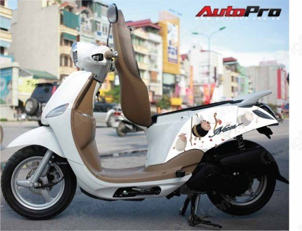 DECAL YAMAHA NOZZA GRANDE 040