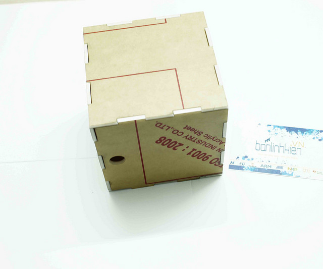 Hộp Mica Box Light