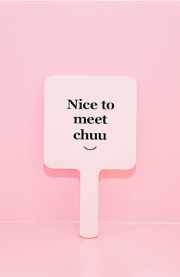 CHUU nice to meet chuu pink mirror