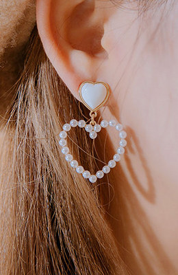 CHUU Unmatched Love Earrings