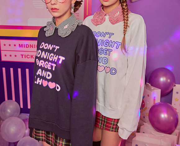 CHUU midnightland. Carnival Ticket Sweatshirt