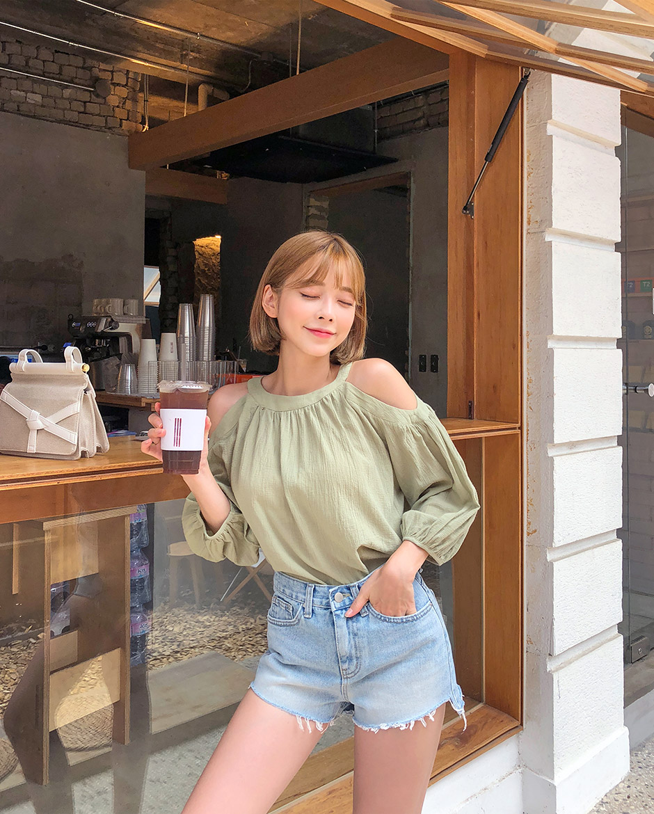 //cdn.nhanh.vn/cdn/store/29770/psCT/20180927/9207938/CHUU_Remember_The_Truth_Blouse_(6).jpg