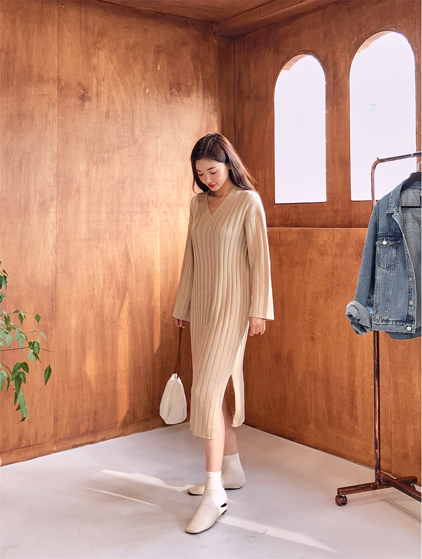 //cdn.nhanh.vn/cdn/store/29770/psCT/20180927/9207982/Soft_Twisted_V_Neck_Dress_(1).jpg