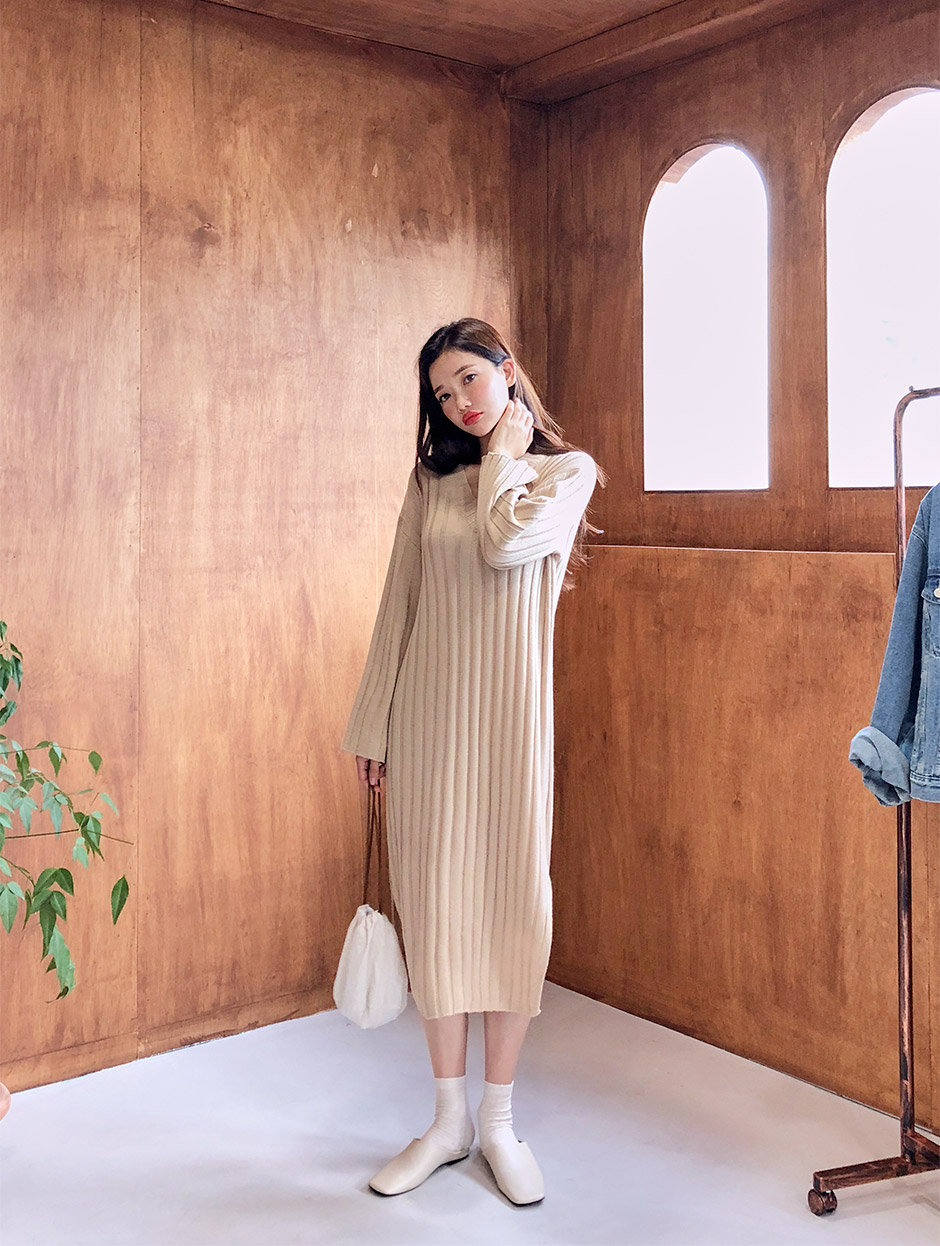 //cdn.nhanh.vn/cdn/store/29770/psCT/20180927/9207982/Soft_Twisted_V_Neck_Dress_(4).jpg
