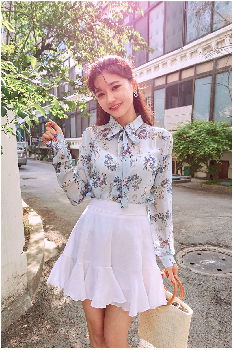 //cdn.nhanh.vn/cdn/store/29770/psCT/20181010/9452006/CHUU_By_My_Side_Flower_Blouse_(21).jpg