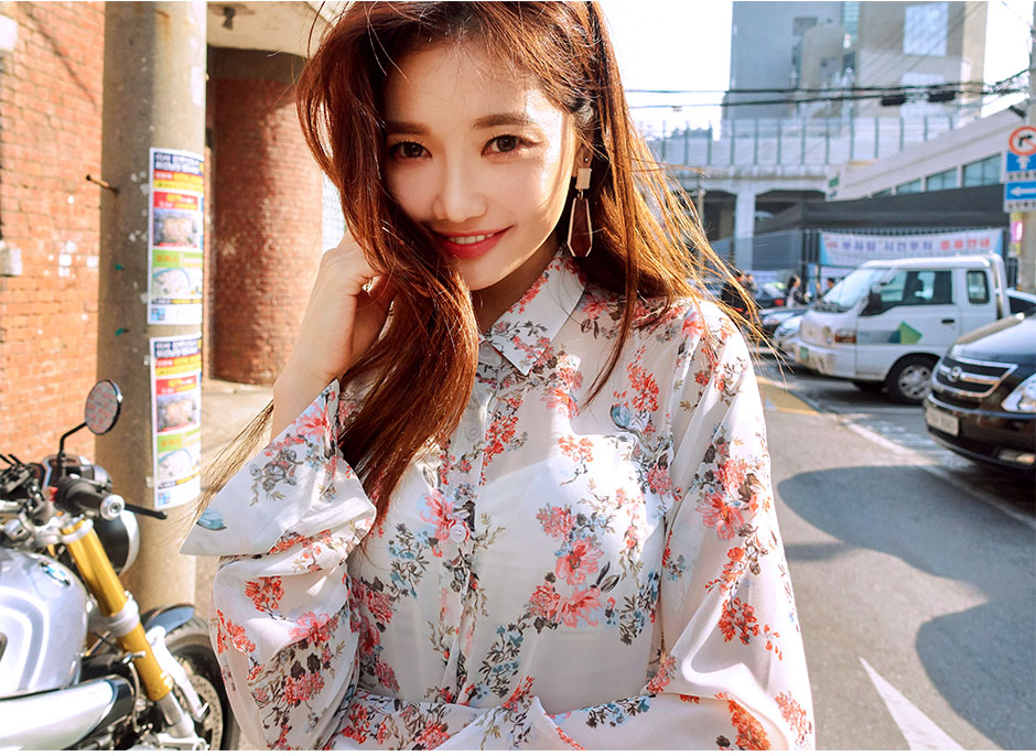 //cdn.nhanh.vn/cdn/store/29770/psCT/20181010/9452006/CHUU_By_My_Side_Flower_Blouse_(31).jpg