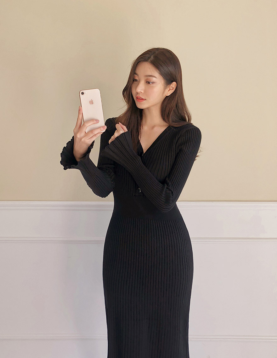 //cdn.nhanh.vn/cdn/store/29770/psCT/20181113/10013828/_CHUU__Ribbed_V_Neck_Midi_Dress_(6).jpg
