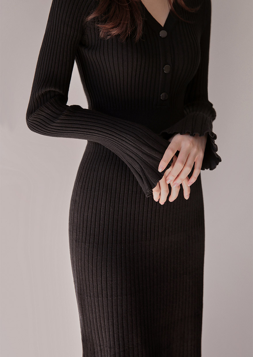 //cdn.nhanh.vn/cdn/store/29770/psCT/20181113/10013828/_CHUU__Ribbed_V_Neck_Midi_Dress_(8).jpg