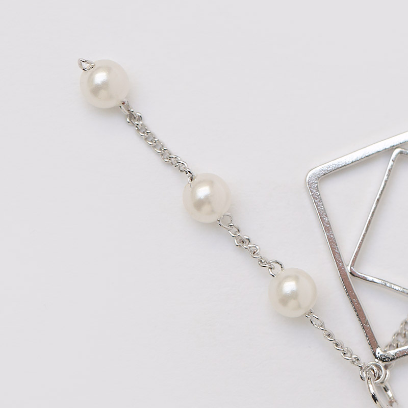 //cdn.nhanh.vn/cdn/store/29770/psCT/20190110/11071497/Only_Look_At_Me_Pearl_Drop_Earring_(2019_42_8).jpg