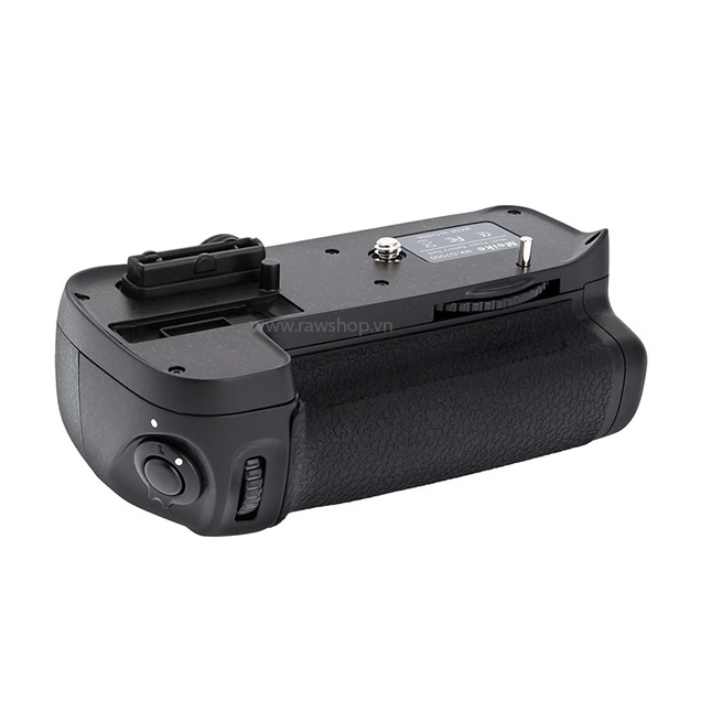 Meike battery grip for Nikon D7000