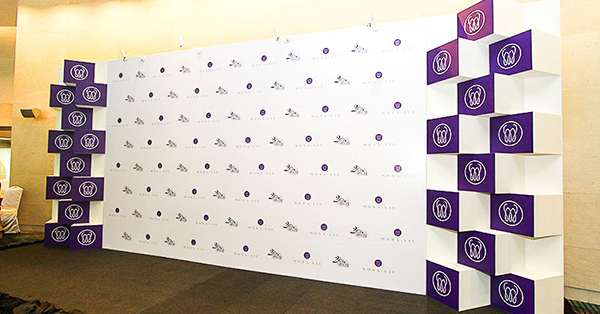 mot_vai_luu_y_ve_backdrop_branding