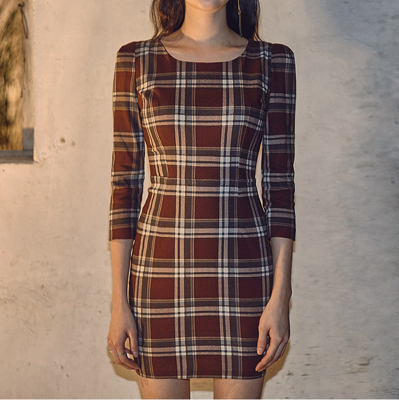//cdn.nhanh.vn/cdn/store/29770/psCT/20181003/9325580/CHUU_Crop_Sleeve_Basic_Check_Dress_(21).jpg