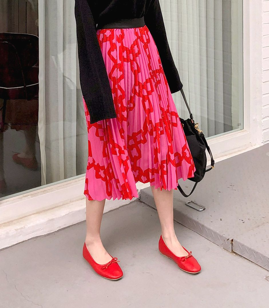 //cdn.nhanh.vn/cdn/store/29770/psCT/20190528/14303961/Colorful_Chain_Printed_Pleats_Skirt_(colorful_7).jpg