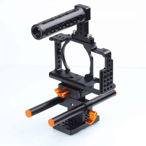 Small rig with base plate and hand grip for Sony A6500