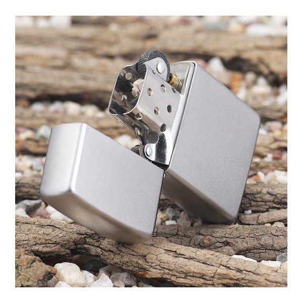 Zippo 205 - Vỏ Chrome Satin (Satin Chrome Pocket Lighter)