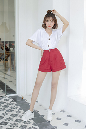 0519 Flared Khaki Shorts